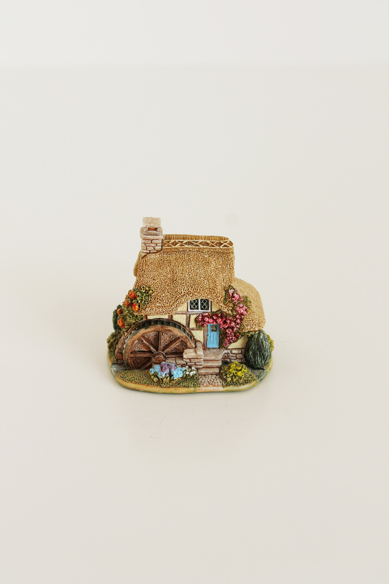 lilliput lane little mill cottage