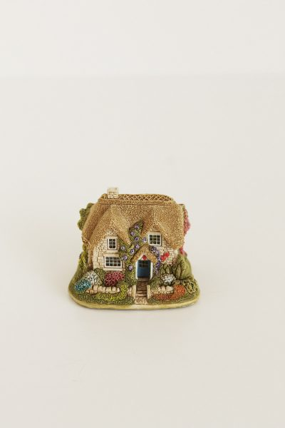 lilliput lane queen of heart cottage
