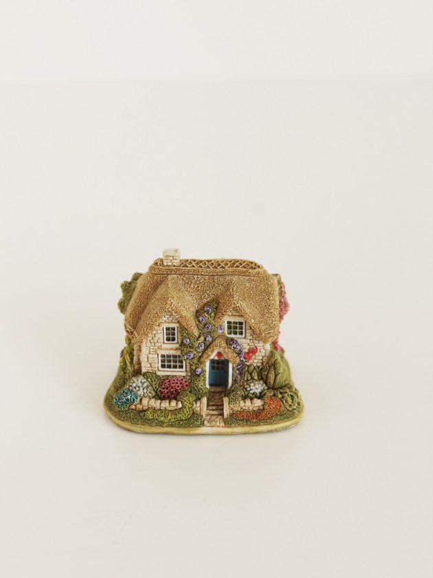 lilliput lane queen of heart cottage