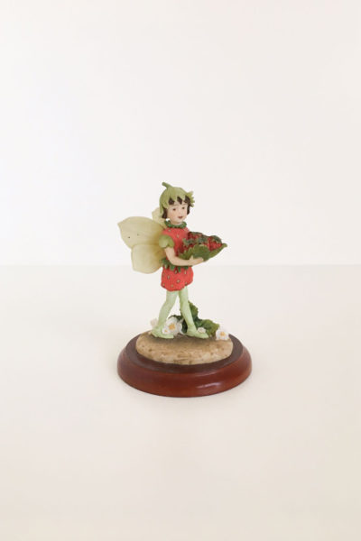 figurina the strawberry fairy